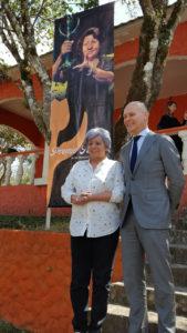 Bertha Oliva, Coordinadora General del COFADEH, y el Ombudsman holandés, Kees Van Baar