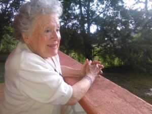 Nora Cortiñas en el Hogar contra el Olvido, del COFADEH