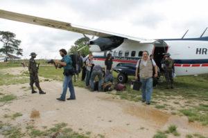 Equipo de Cofadeh y prensa internacional de AP en Brus Laguna camino a Ahuás