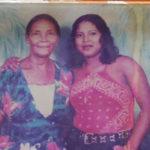 Foto en vida de Juana Jackson (28 años) junto a su abuela (Juana estaba embarazada y murió en ataque)